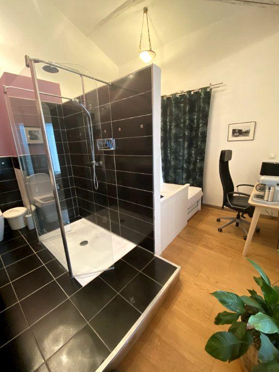 Appartement à vendre 7 164.1m2 à Nîmes vignette-4