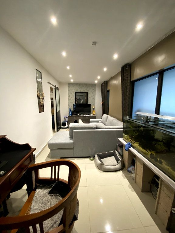 Appartement à vendre 7 164.1m2 à Nîmes vignette-8