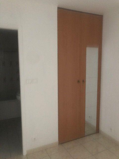 Appartement à louer 2 31.36m2 à Nîmes vignette-4