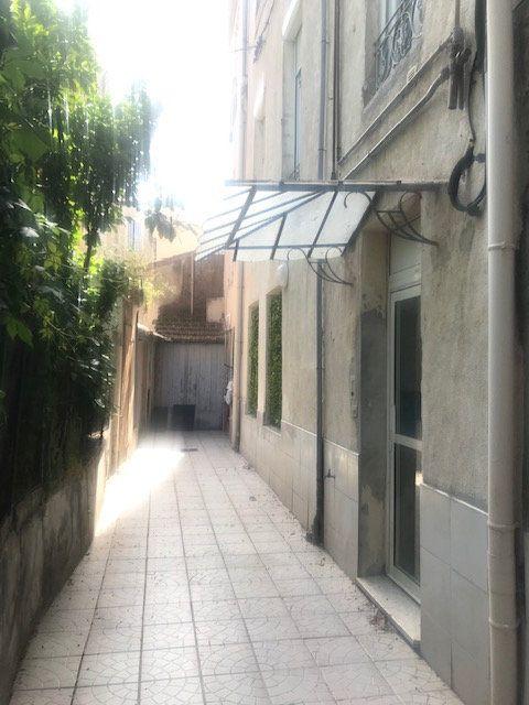 Appartement à louer 2 31.36m2 à Nîmes vignette-6