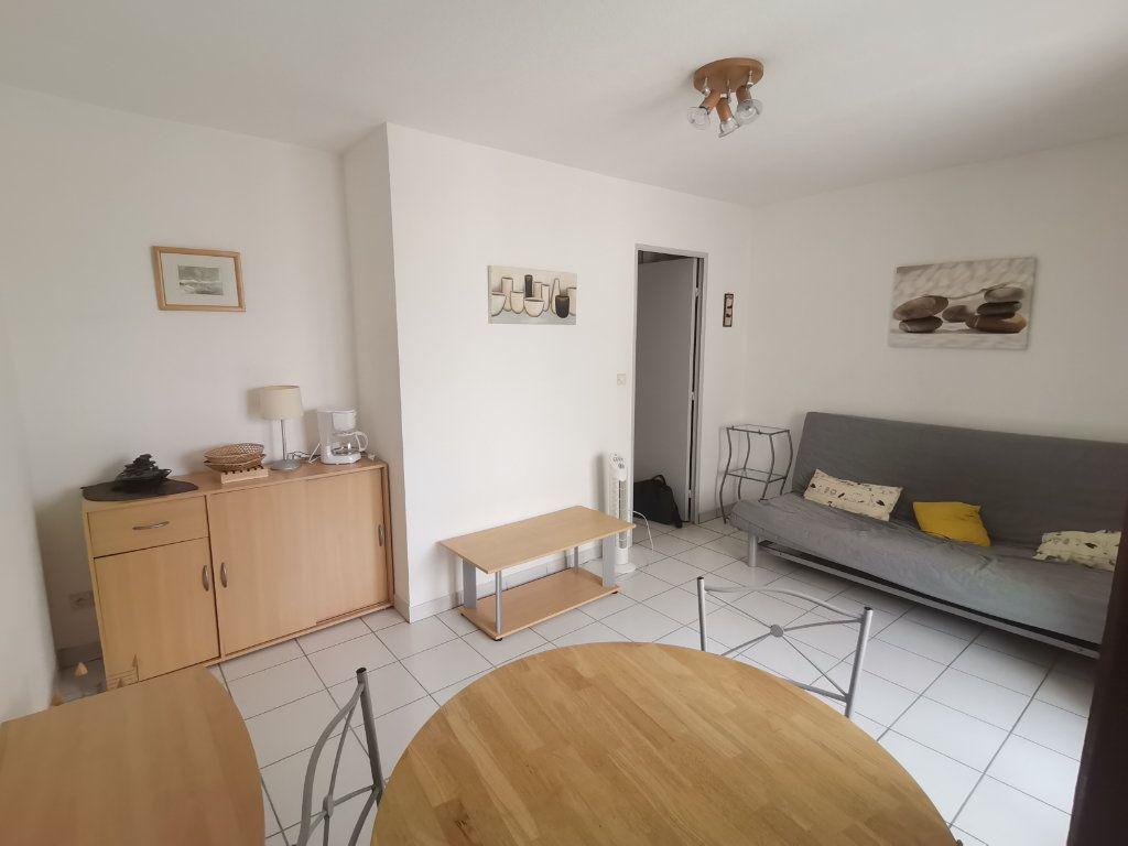 Appartement à louer 1 21.76m2 à Nîmes vignette-2