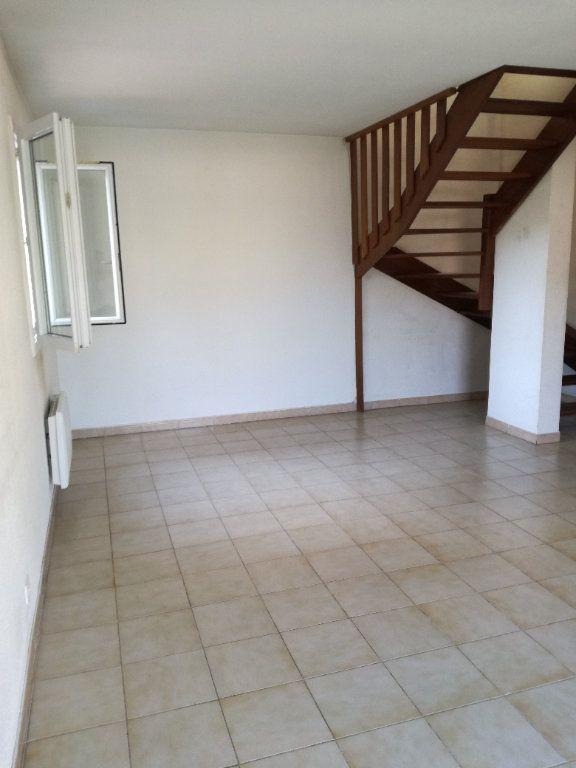 Appartement à louer 4 74m2 à Nîmes vignette-3