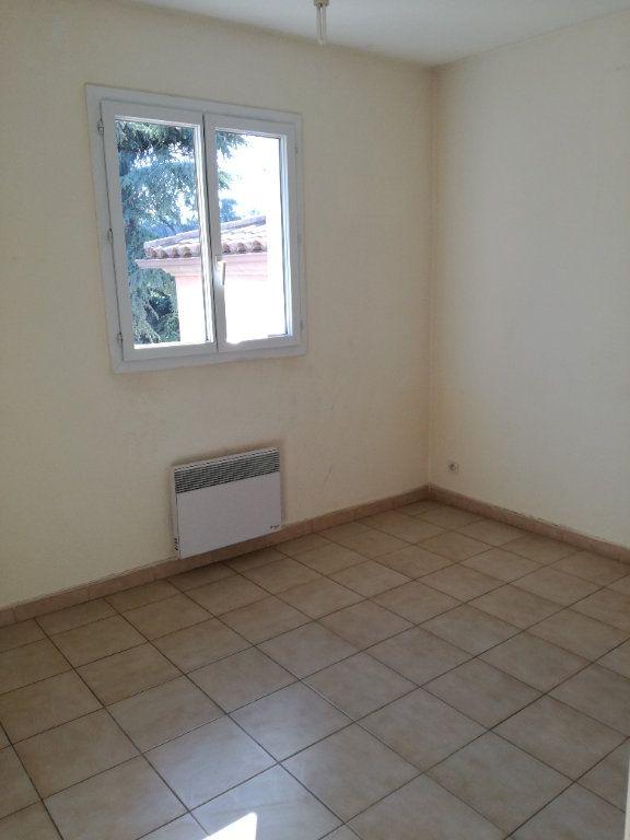 Appartement à louer 4 74m2 à Nîmes vignette-6