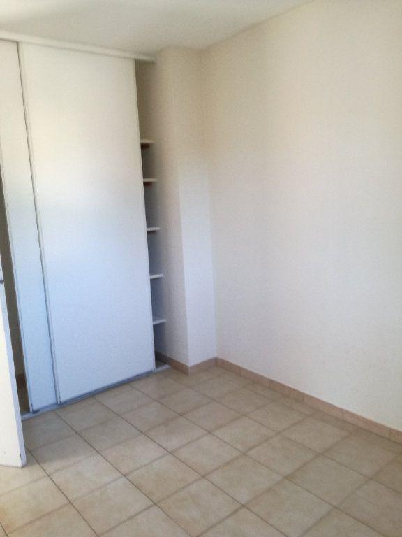 Appartement à louer 4 74m2 à Nîmes vignette-7