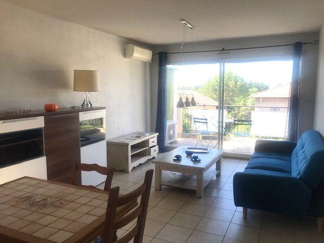 Appartement à louer 2 49m2 à Nîmes vignette-1