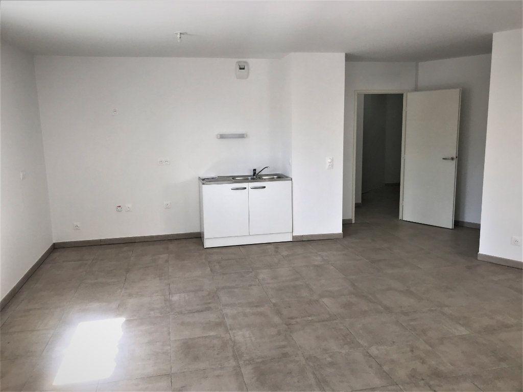 Appartement à louer 3 72.74m2 à Nîmes vignette-4