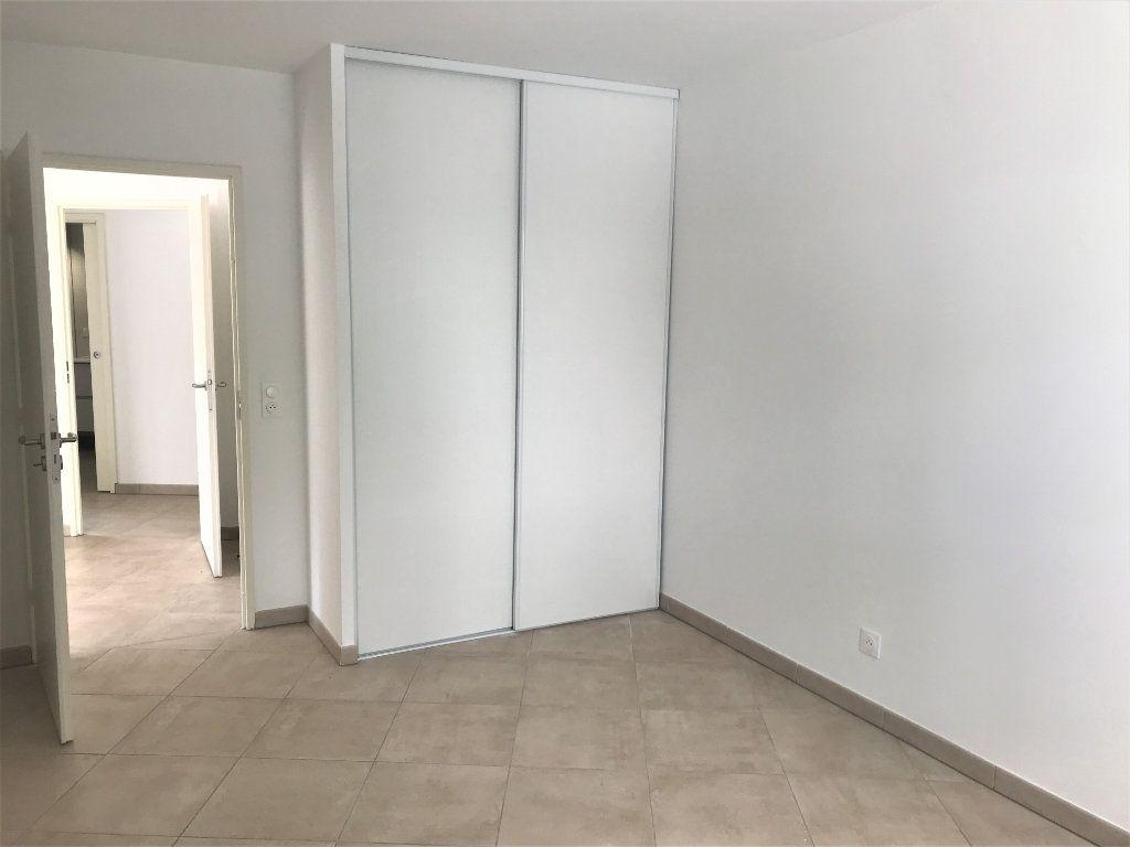 Appartement à louer 3 72.74m2 à Nîmes vignette-7