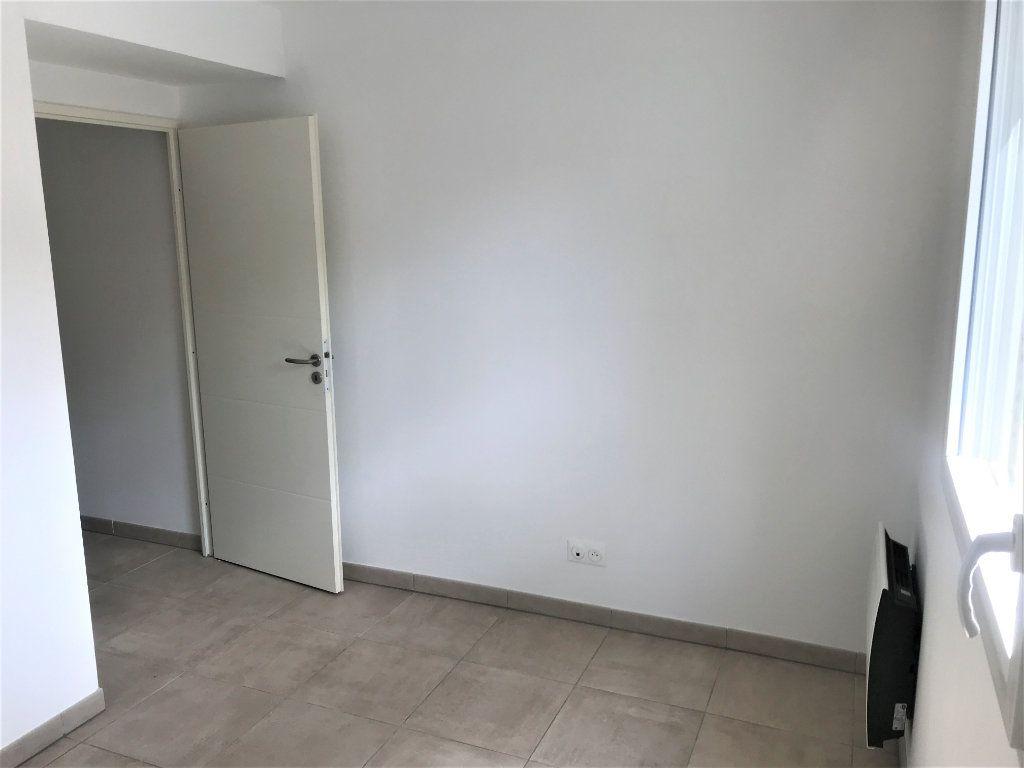 Appartement à louer 3 72.74m2 à Nîmes vignette-8