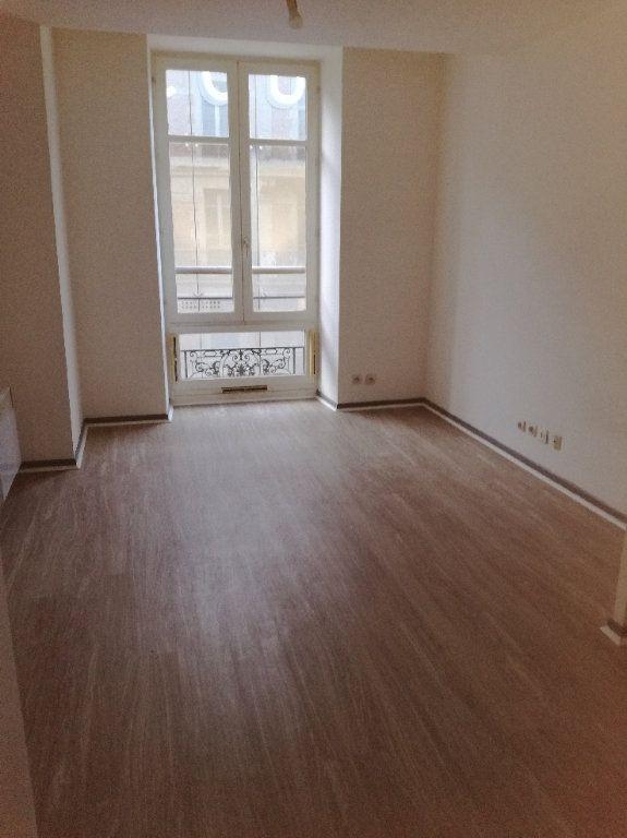 Appartement à louer 1 20.23m2 à Nîmes vignette-1