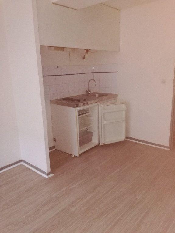 Appartement à louer 1 20.23m2 à Nîmes vignette-2