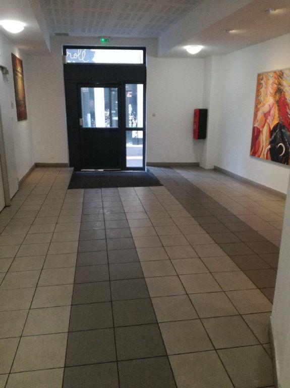 Appartement à louer 1 20.23m2 à Nîmes vignette-6