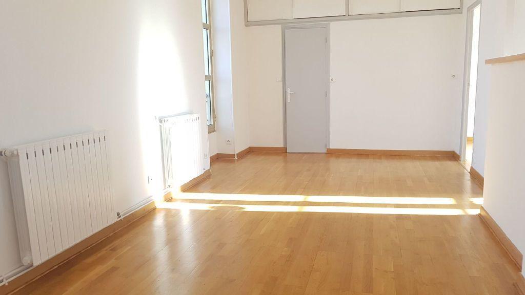 Appartement à louer 2 42m2 à Nîmes vignette-2