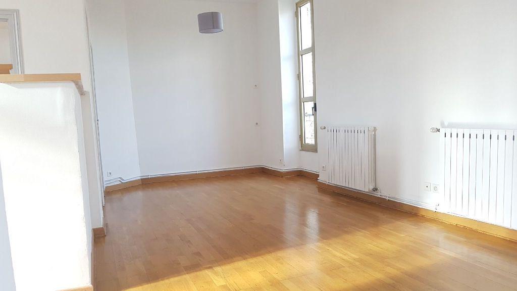 Appartement à louer 2 42m2 à Nîmes vignette-4