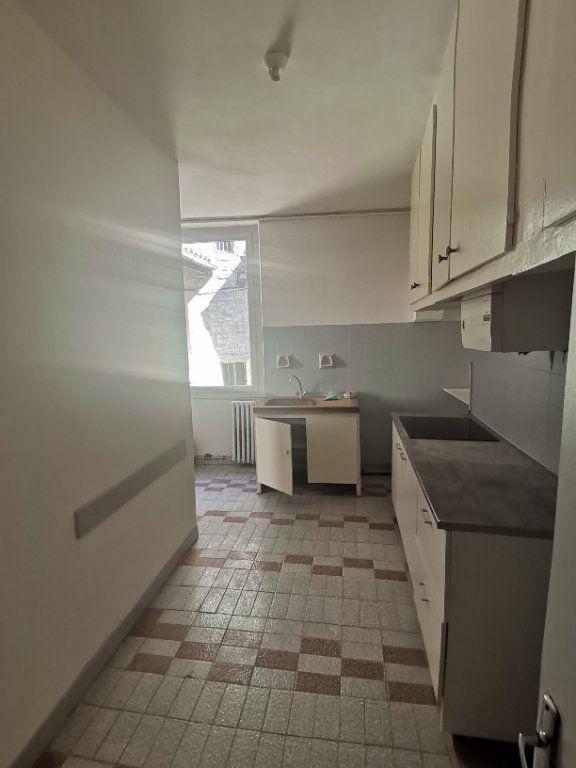 Appartement à louer 2 50m2 à Nîmes vignette-2