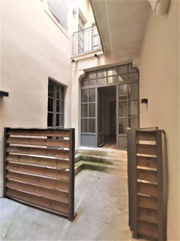 Appartement à louer 3 56m2 à Nîmes vignette-8