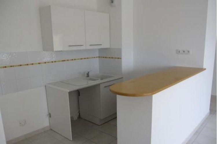 Appartement à louer 2 42.5m2 à Nîmes vignette-2