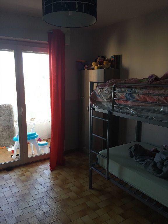 Appartement à louer 3 62.7m2 à Nîmes vignette-2