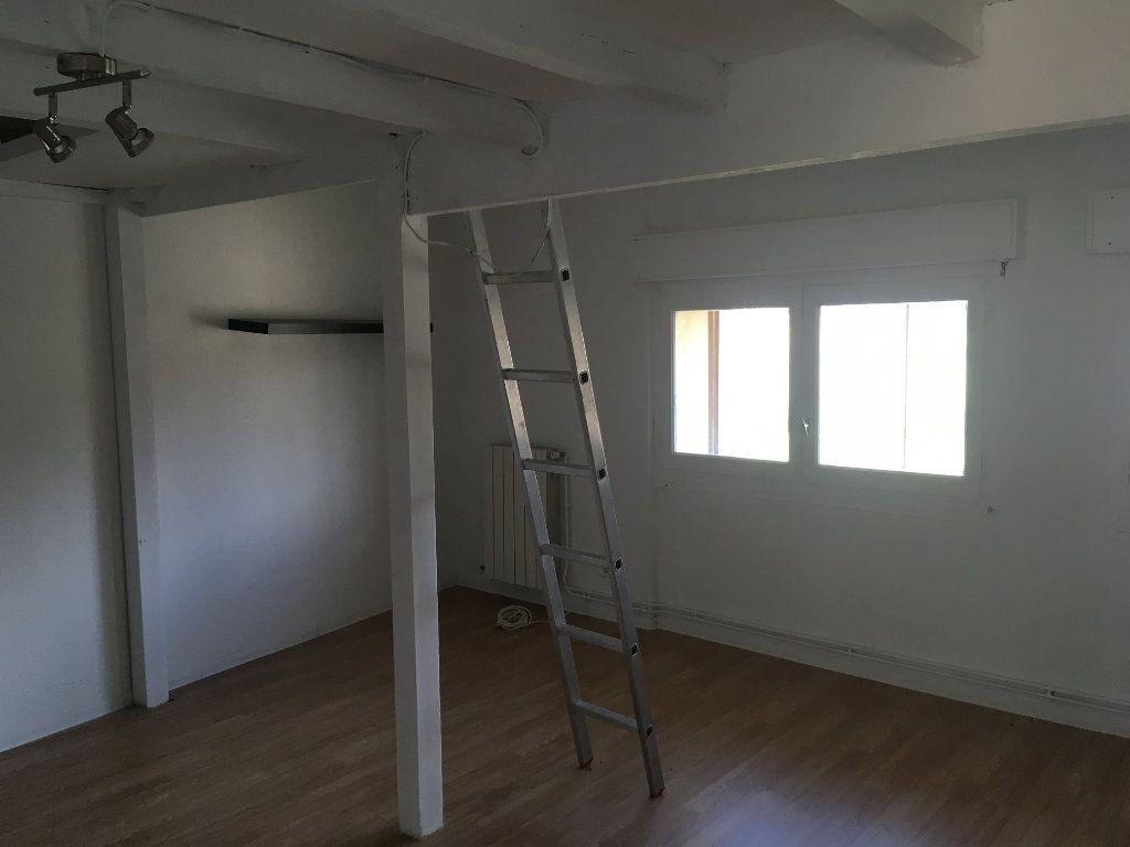 Appartement à louer 1 22m2 à Marguerittes vignette-4