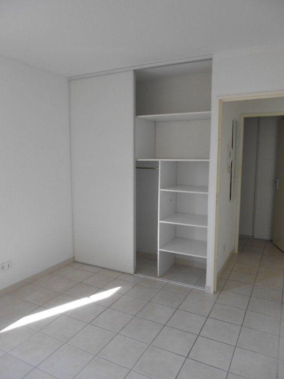 Appartement à louer 2 46.9m2 à Nîmes vignette-4