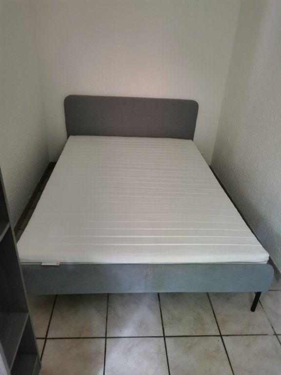 Appartement à louer 2 27.86m2 à Nîmes vignette-6