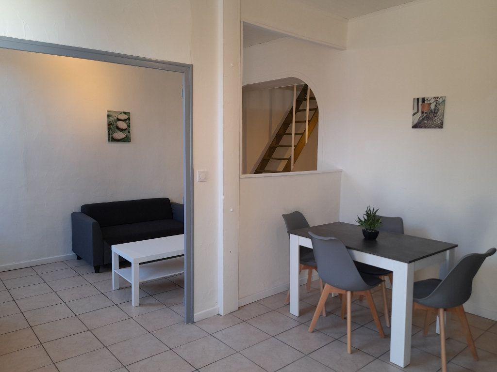 Appartement à louer 2 39.9m2 à Nîmes vignette-3
