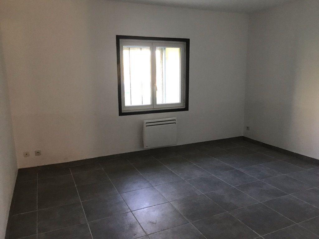 Appartement à louer 2 64.28m2 à Moussac vignette-5