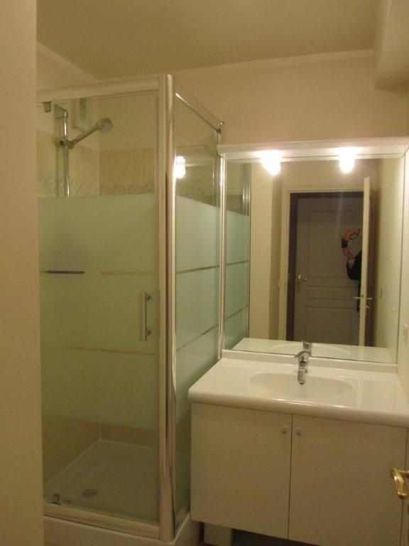 Appartement à louer 4 89.6m2 à Émerainville vignette-5