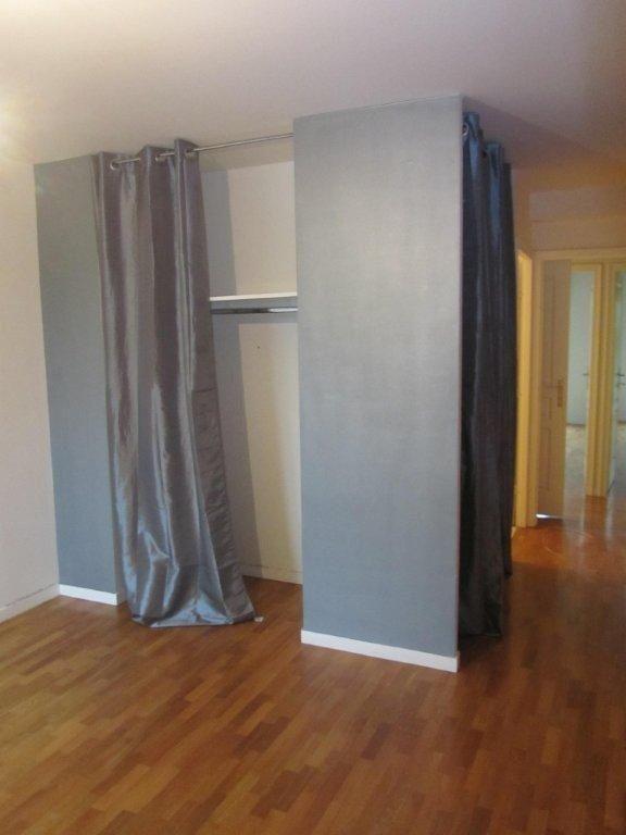Appartement à louer 4 89.6m2 à Émerainville vignette-6
