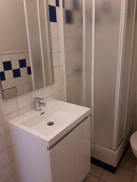 Appartement à louer 1 12.28m2 à Gournay-sur-Marne vignette-5