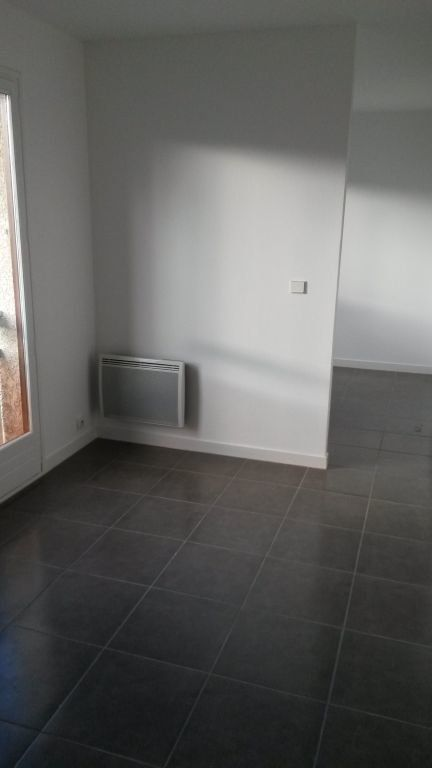 Appartement à louer 2 24.5m2 à Pontault-Combault vignette-2