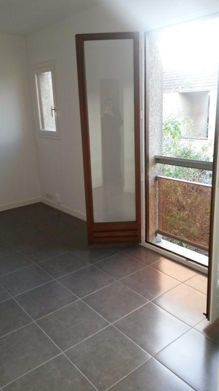 Appartement à louer 2 24.5m2 à Pontault-Combault vignette-5