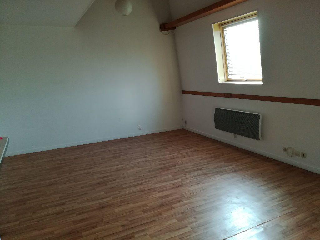Appartement à louer 2 54.55m2 à Pontault-Combault vignette-3