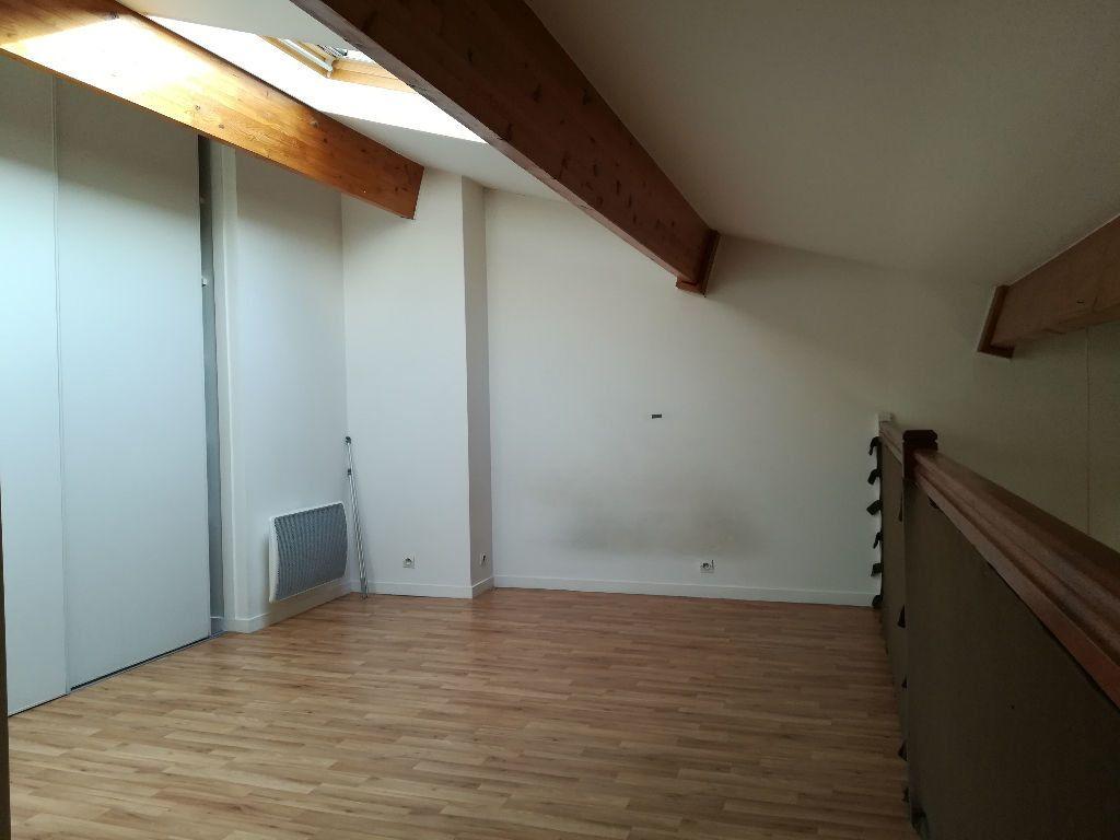 Appartement à louer 2 54.55m2 à Pontault-Combault vignette-4