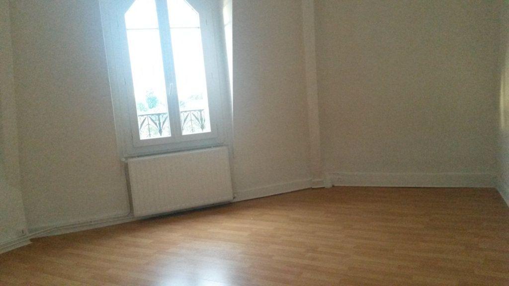 Appartement à louer 1 26m2 à Gournay-sur-Marne vignette-2