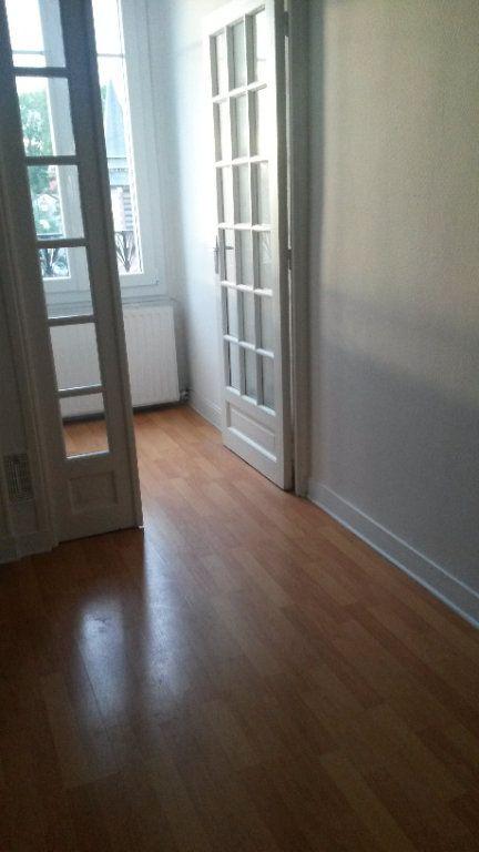 Appartement à louer 1 26m2 à Gournay-sur-Marne vignette-4