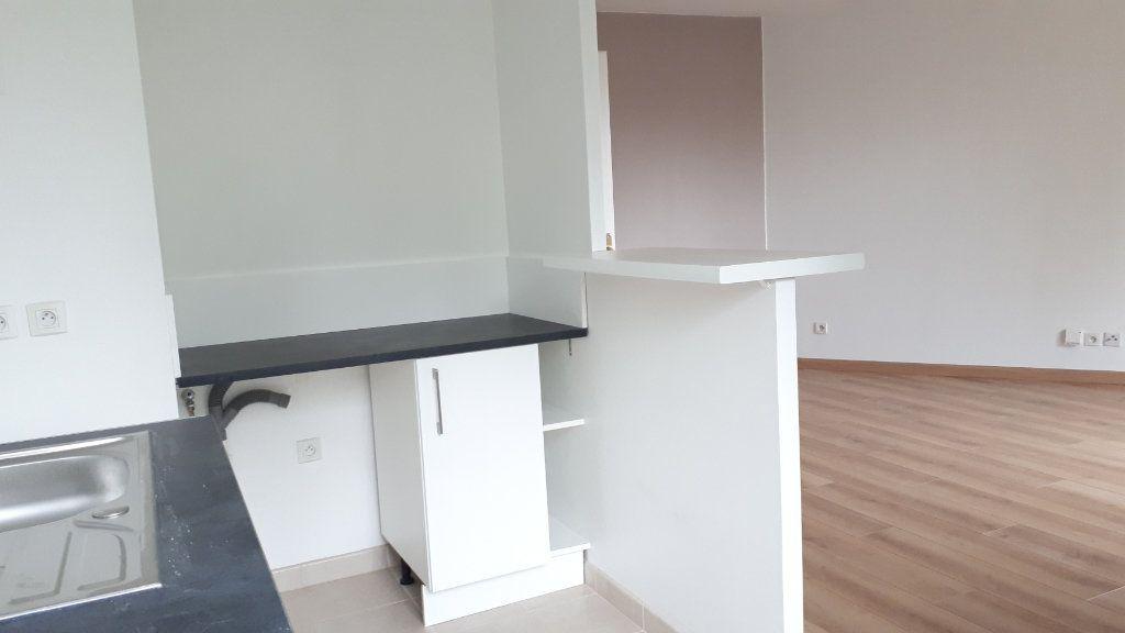 Appartement à louer 2 41.09m2 à Le Plessis-Trévise vignette-7