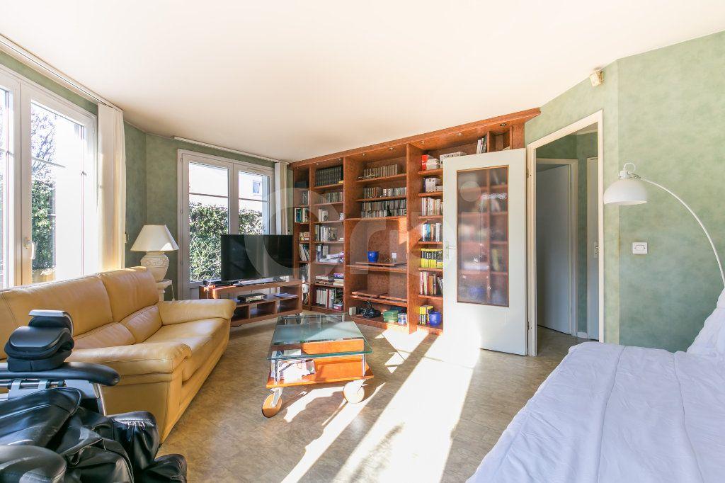 Appartement à vendre 4 86m2 à Lagny-sur-Marne vignette-2