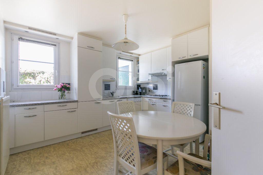 Appartement à vendre 4 86m2 à Lagny-sur-Marne vignette-3