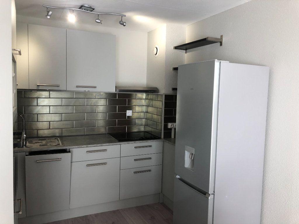 Appartement à louer 2 46.47m2 à Pontault-Combault vignette-6