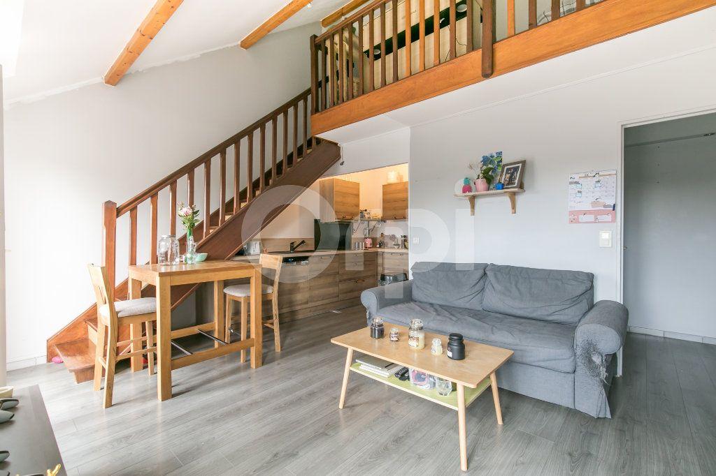 Appartement à vendre 2 39.89m2 à Pontault-Combault vignette-2