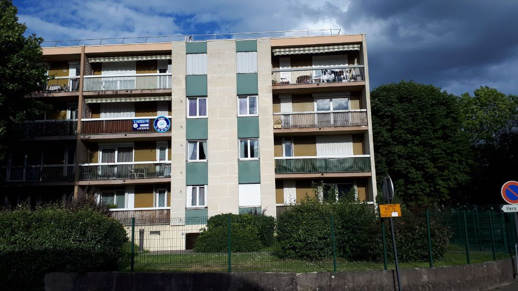 Appartement à louer 1 32m2 à Chelles vignette-1