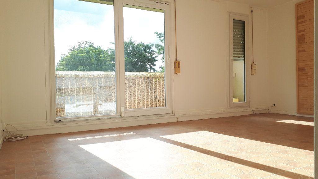 Appartement à louer 1 32m2 à Chelles vignette-3
