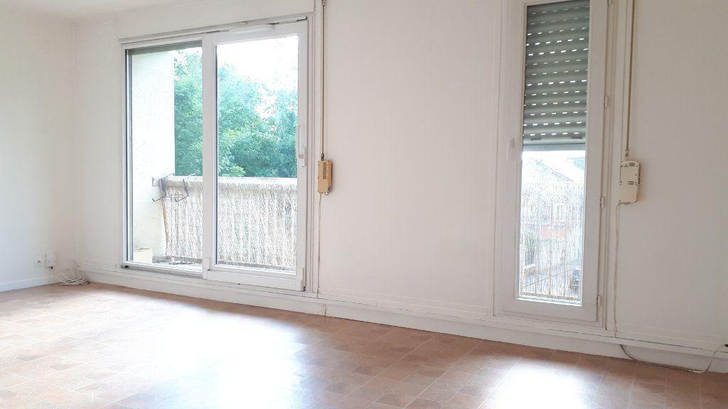Appartement à louer 1 32m2 à Chelles vignette-5