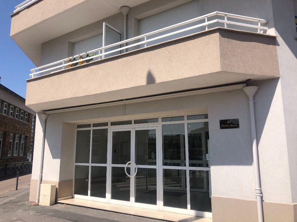 Appartement à louer 1 26.74m2 à Pontault-Combault vignette-2
