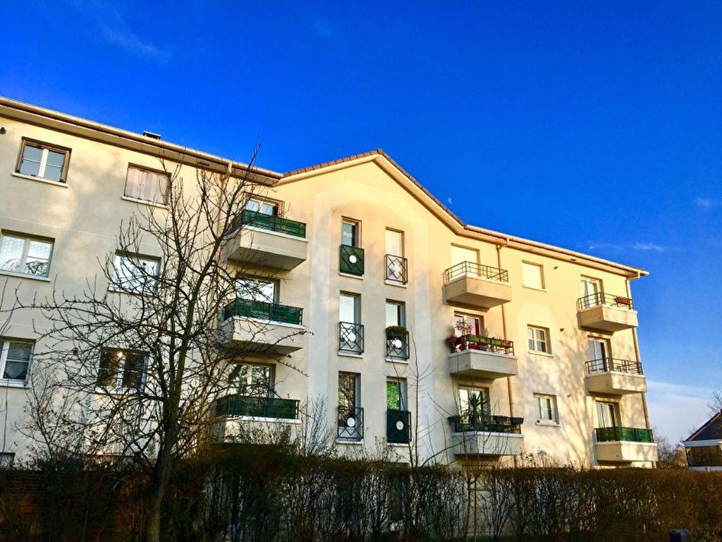 Appartement à louer 2 52.86m2 à Torcy vignette-1