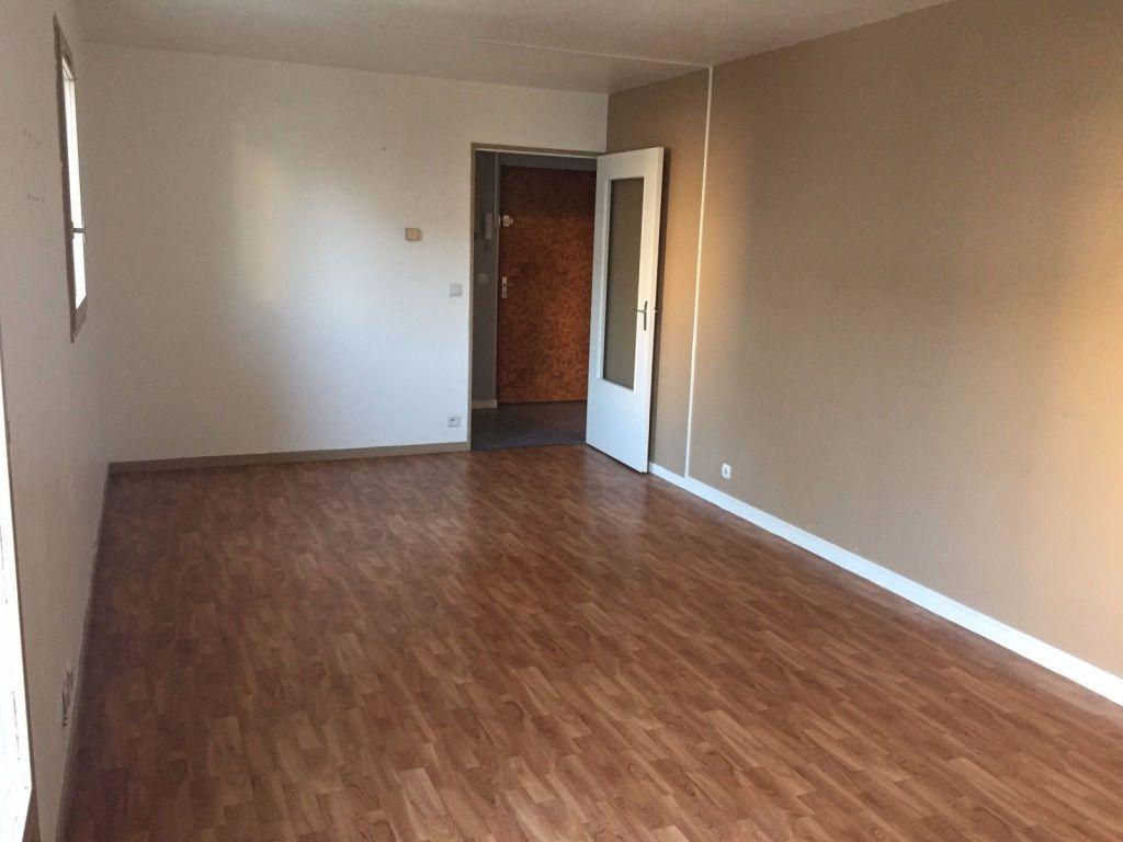 Appartement à louer 2 52.86m2 à Torcy vignette-2