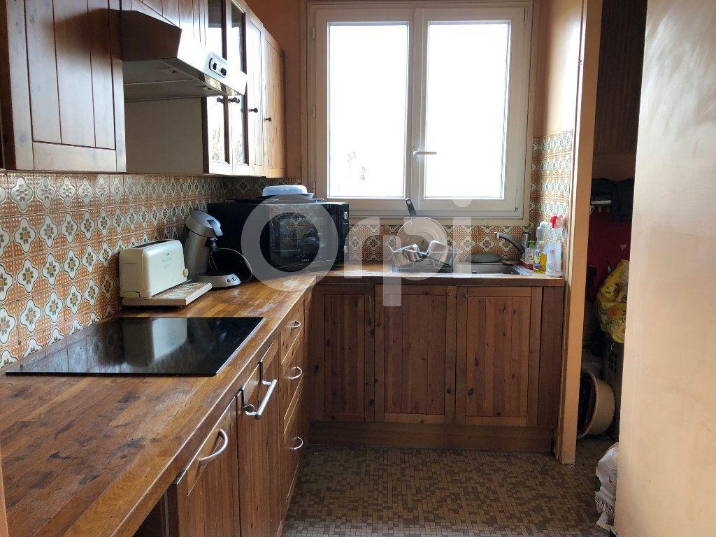 Appartement à vendre 4 82m2 à Soisy-sous-Montmorency vignette-3