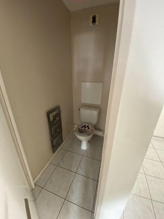 Appartement à louer 3 70.46m2 à Grenoble vignette-6
