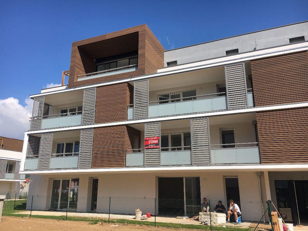 Appartement à louer 2 44.56m2 à Coublevie vignette-1