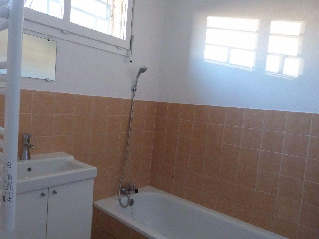 Appartement à louer 2 43m2 à Voiron vignette-4